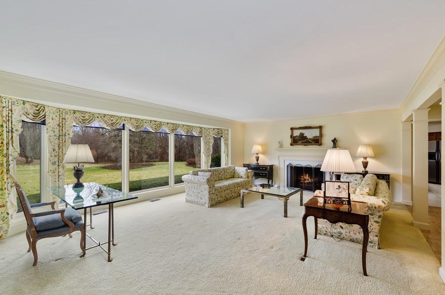Real Estate Photography - 50 E Mallard Ln, Lake Forest, IL, 60045 - Living Room