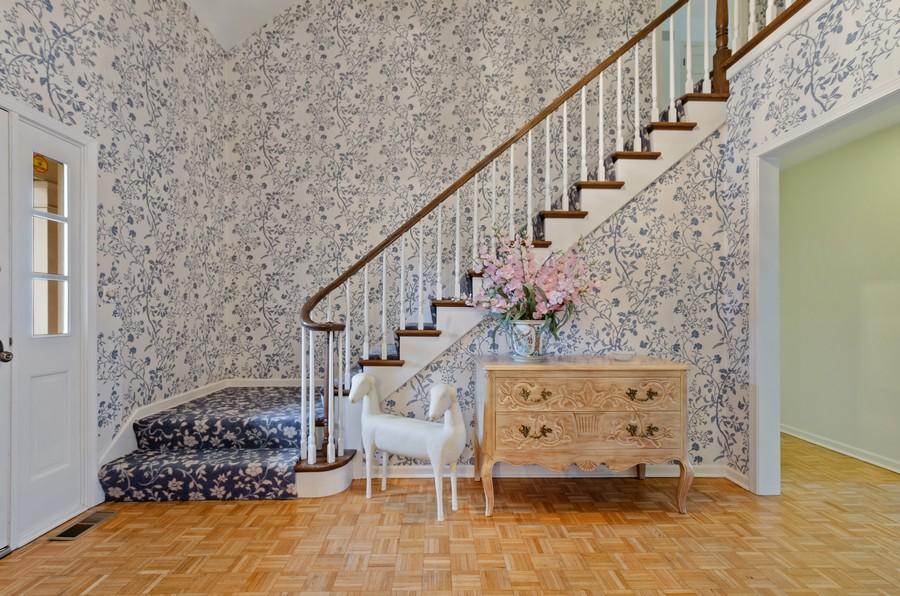 Real Estate Photography - 50 E Mallard Ln, Lake Forest, IL, 60045 - Foyer
