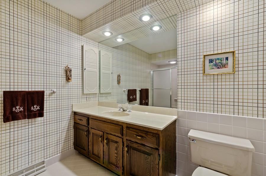 Real Estate Photography - 50 E Mallard Ln, Lake Forest, IL, 60045 - Ensuite bathroom 3