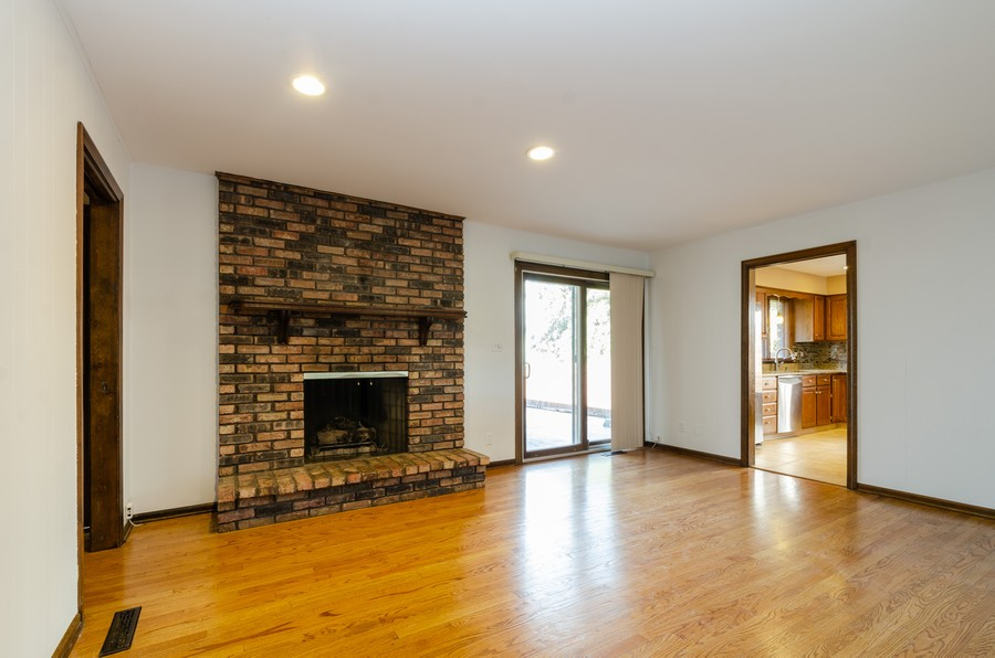 Real Estate Photography - 8146 Oakwood Ave, Munster, IN, 46321 - Family Room