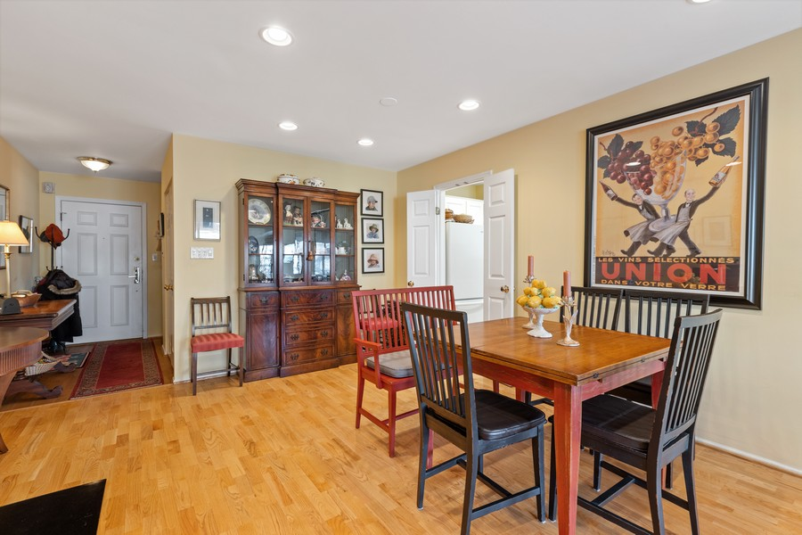 Real Estate Photography - 1730 Hinman Ave, #3G, Evanston, IL, 60201 - Dining Room