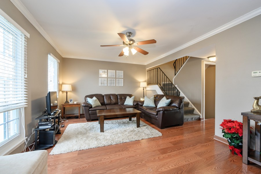 Real Estate Photography - 1345 Northhampton Lane, Roselle, IL, 60172 - Living Room