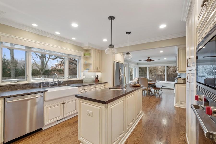 Real Estate Photography - 1136 Skokie Ridge Dr, Glencoe, IL, 60022 - Kitchen / Breakfast Room