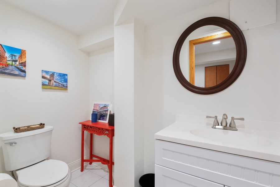 Real Estate Photography - 1136 Skokie Ridge Dr, Glencoe, IL, 60022 - Powder Room