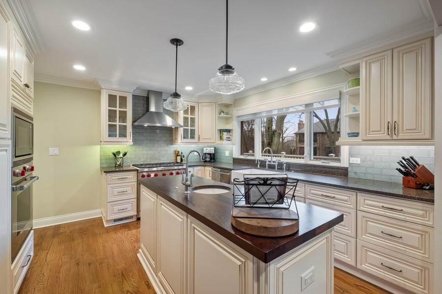 Real Estate Photography - 1136 Skokie Ridge Dr, Glencoe, IL, 60022 - Kitchen