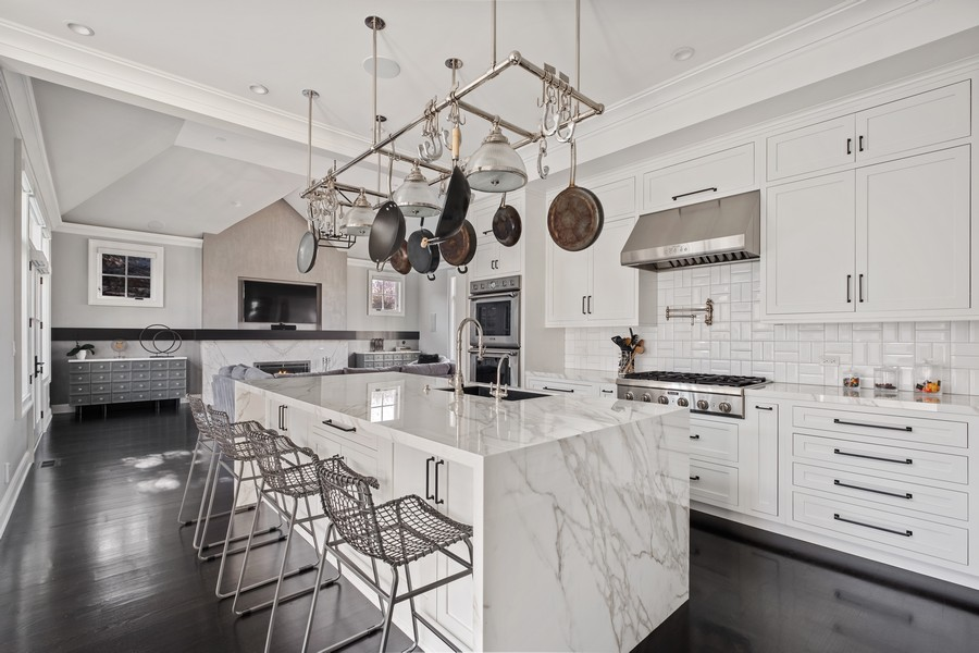 Real Estate Photography - 905 Oak Dr., Glencoe, IL, 60022 - Kitchen