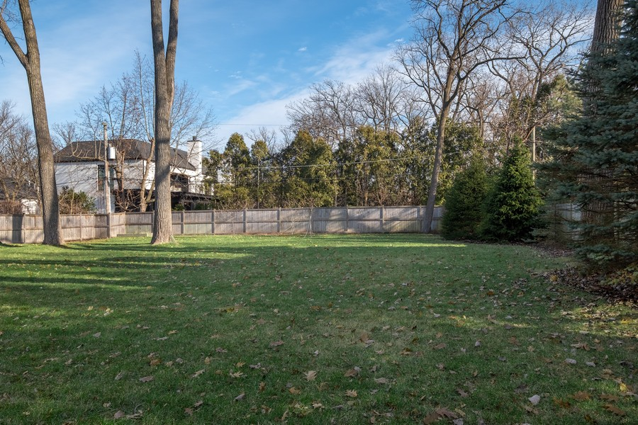 Real Estate Photography - 905 Oak Dr., Glencoe, IL, 60022 - Back Yard