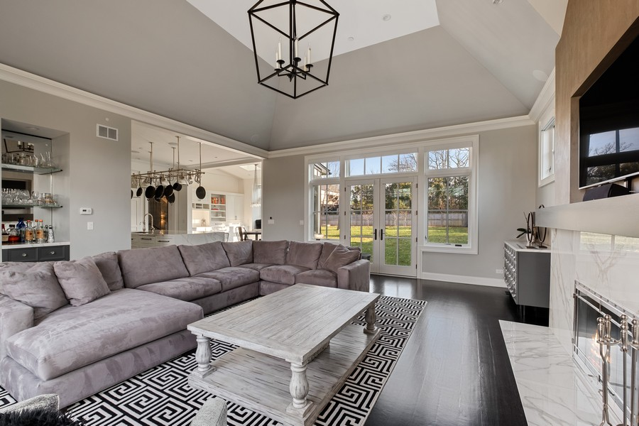 Real Estate Photography - 905 Oak Dr., Glencoe, IL, 60022 - Family Room