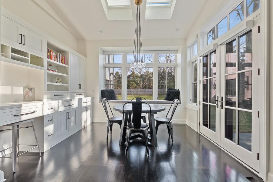 Real Estate Photography - 905 Oak Dr., Glencoe, IL, 60022 - Breakfast Area