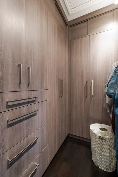 Real Estate Photography - 905 Oak Dr., Glencoe, IL, 60022 - Master Bedroom Closet