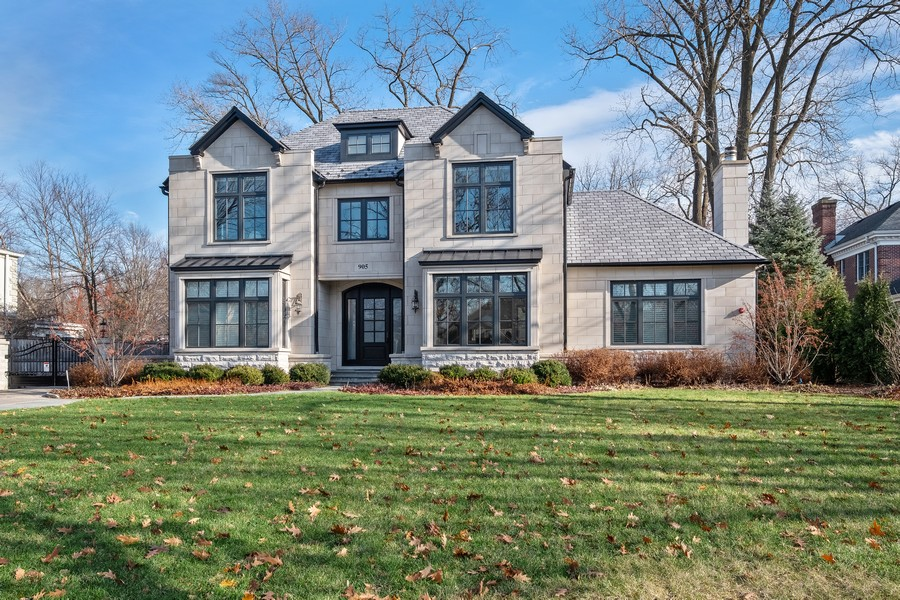 Real Estate Photography - 905 Oak Dr., Glencoe, IL, 60022 - Front View