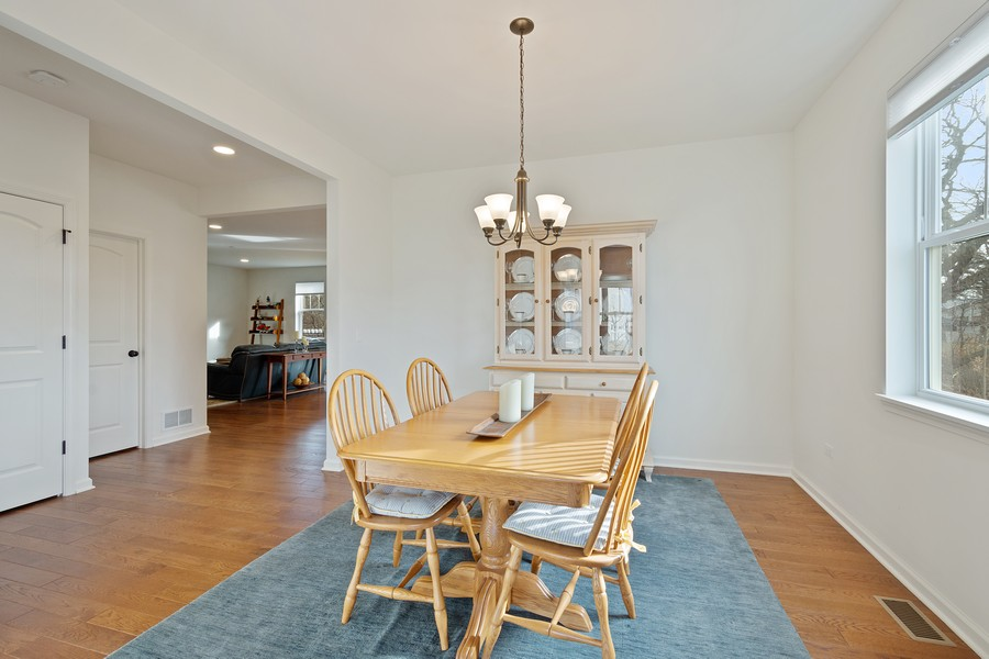 Real Estate Photography - 114 Flint Creek Court, Hawthorn Woods, IL, 60047 - Dining Room