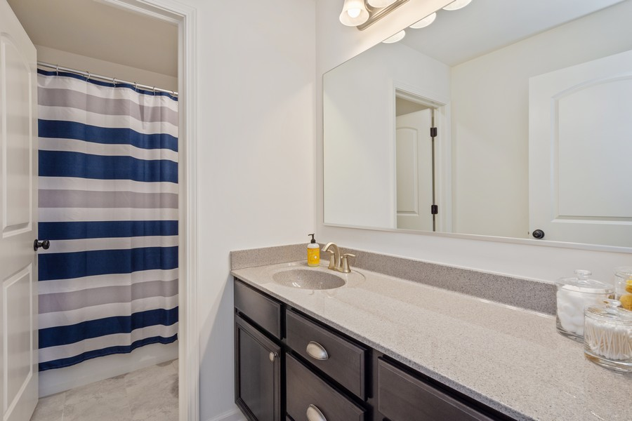 Real Estate Photography - 114 Flint Creek Court, Hawthorn Woods, IL, 60047 - Bathroom