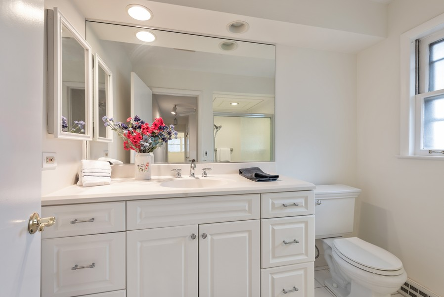 Real Estate Photography - 230 Heather Lane, Wilmette, IL, 60091 - 2nd Bathroom