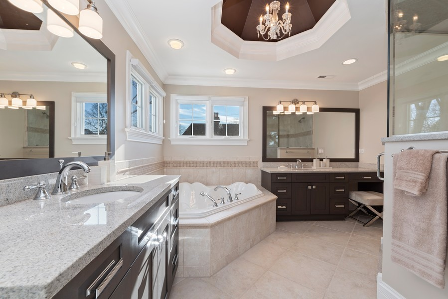 Real Estate Photography - 1001 Woodlawn Road, Glenview, IL, 60025 - Master Bathroom