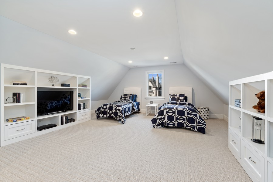 Real Estate Photography - 1001 Woodlawn Road, Glenview, IL, 60025 - 4th Bedroom