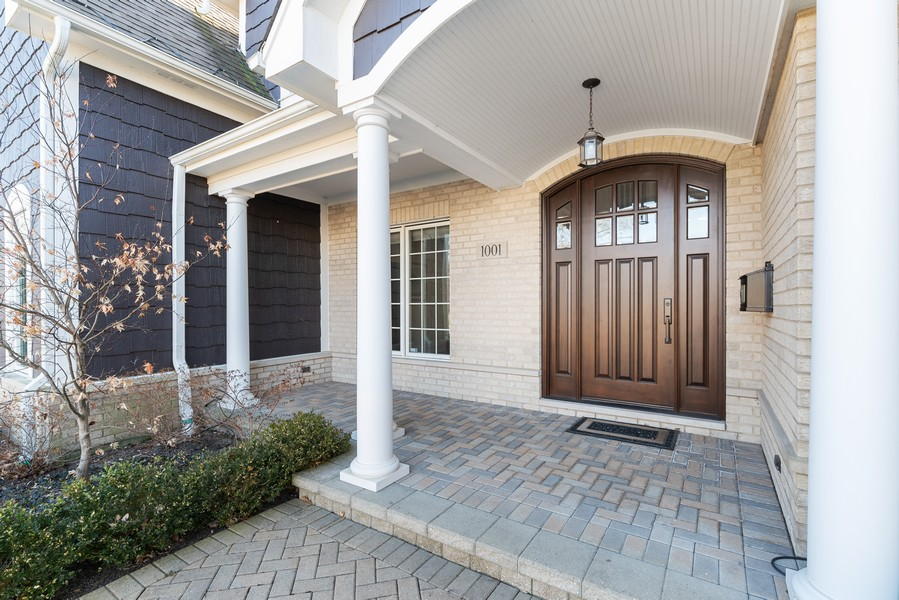 Real Estate Photography - 1001 Woodlawn Road, Glenview, IL, 60025 - Welcome Home