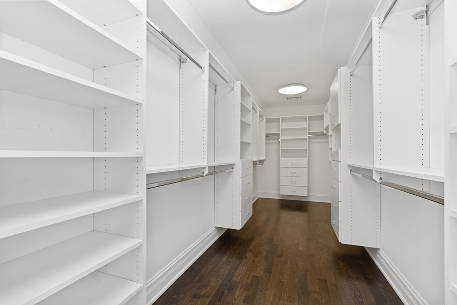 Real Estate Photography - 1001 Woodlawn Road, Glenview, IL, 60025 - Master Bedroom Closet