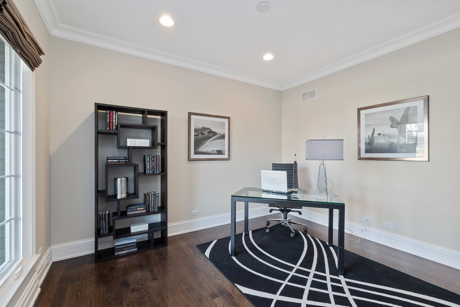 Real Estate Photography - 1001 Woodlawn Road, Glenview, IL, 60025 - Office
