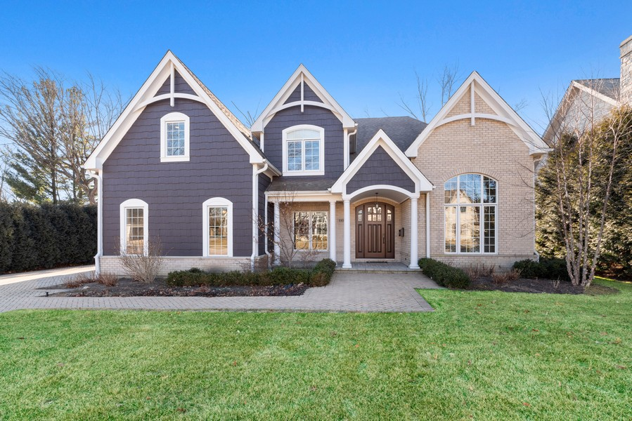 Real Estate Photography - 1001 Woodlawn Road, Glenview, IL, 60025 - Front View