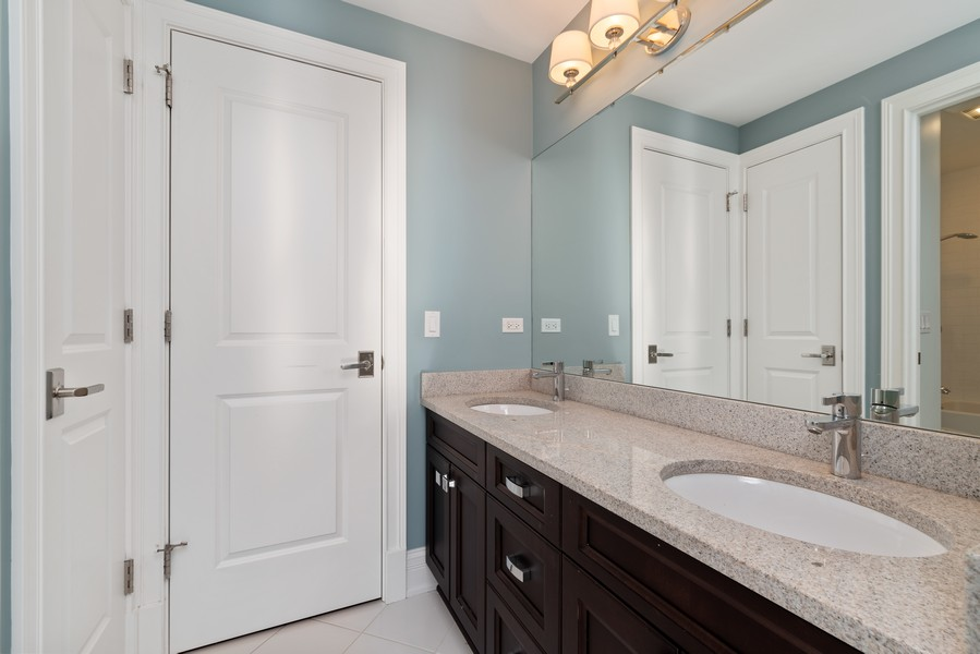 Real Estate Photography - 1001 Woodlawn Road, Glenview, IL, 60025 - 2nd Bathroom