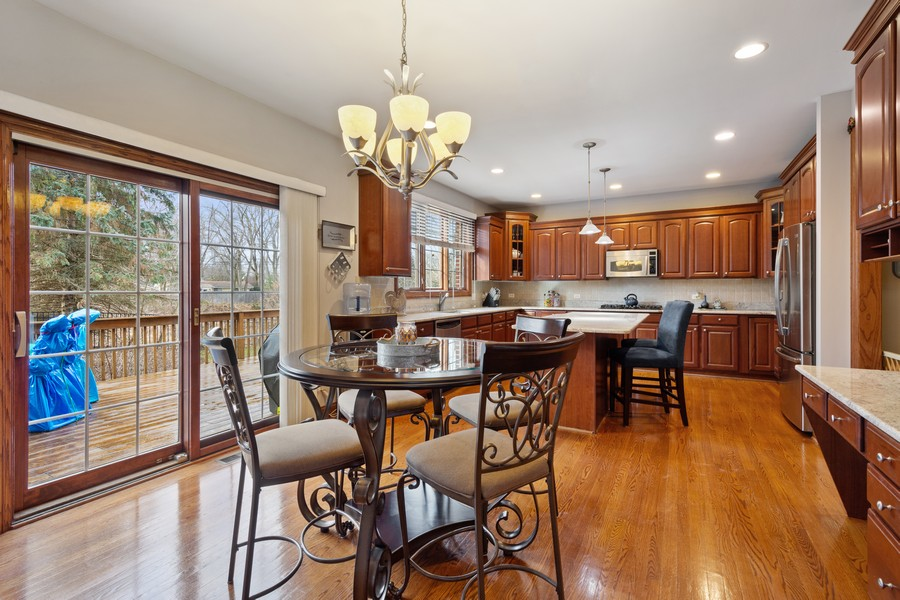 Real Estate Photography - 745 John Ct., Lake Zurich, IL, 60047 - Kitchen / Breakfast Room