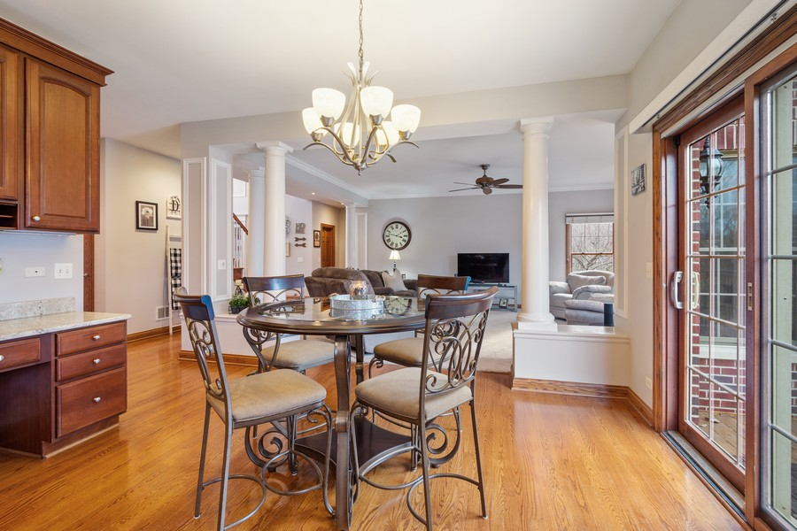 Real Estate Photography - 745 John Ct., Lake Zurich, IL, 60047 - Breakfast Area