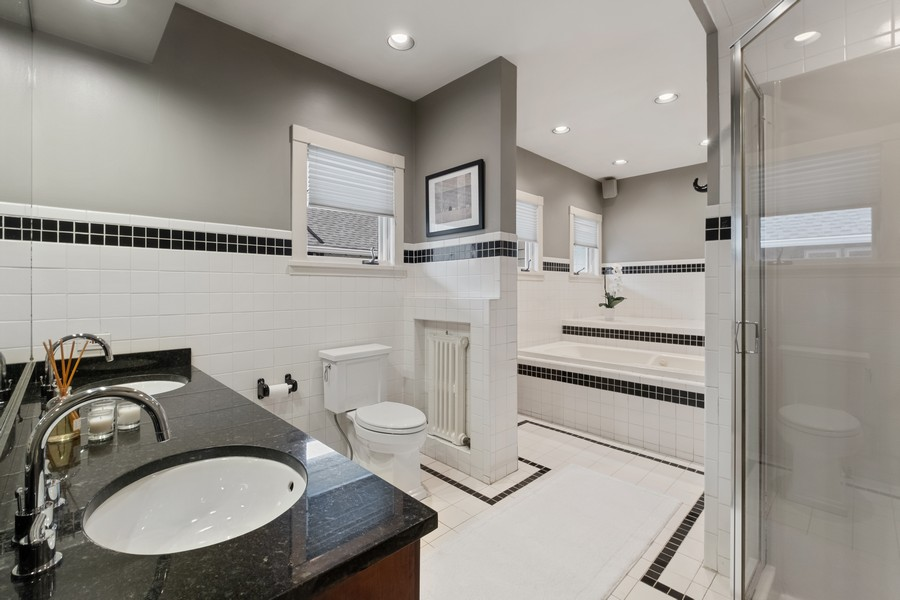 Real Estate Photography - 930 Michigan, Evanston, IL, 60202 - Master Bathroom