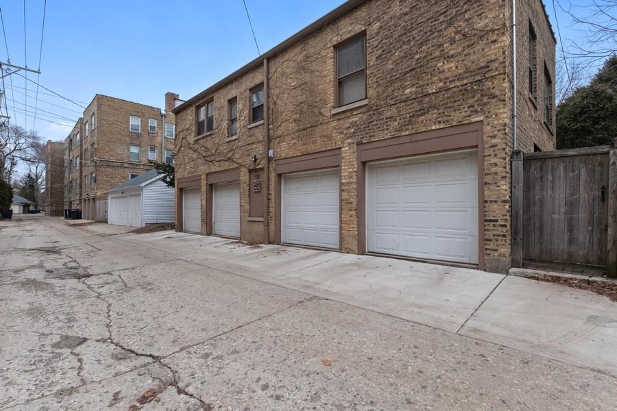 Real Estate Photography - 930 Michigan, Evanston, IL, 60202 - Four Car Garage