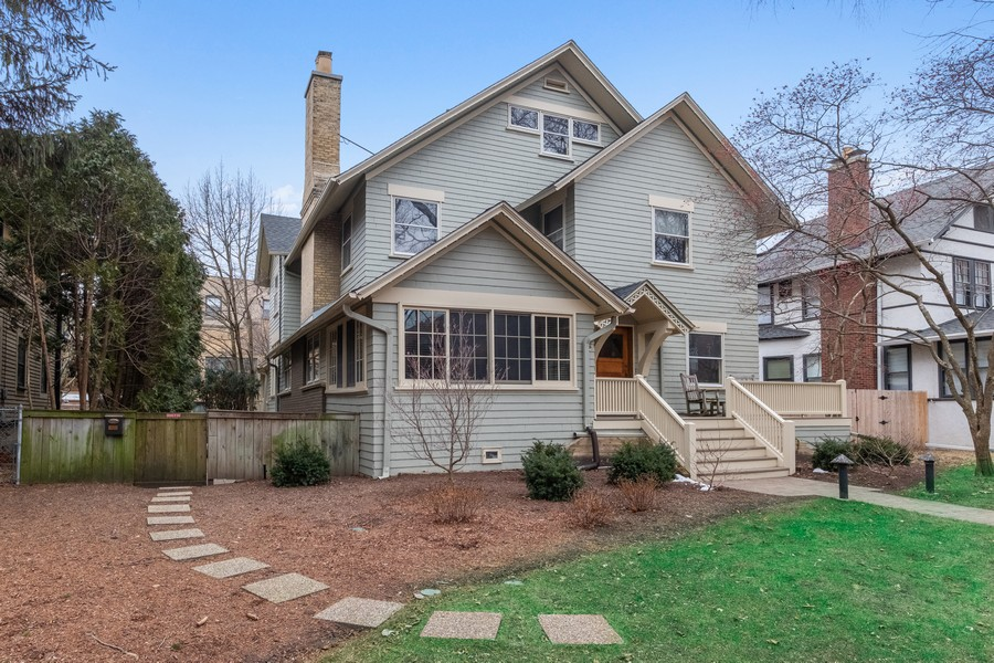Real Estate Photography - 930 Michigan, Evanston, IL, 60202 - Front View