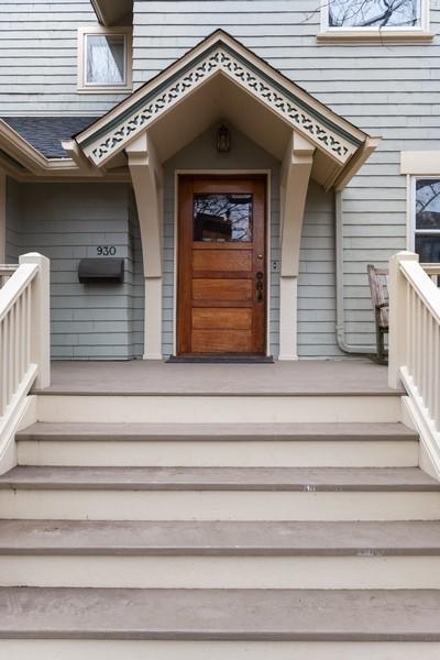 Real Estate Photography - 930 Michigan, Evanston, IL, 60202 - Entryway