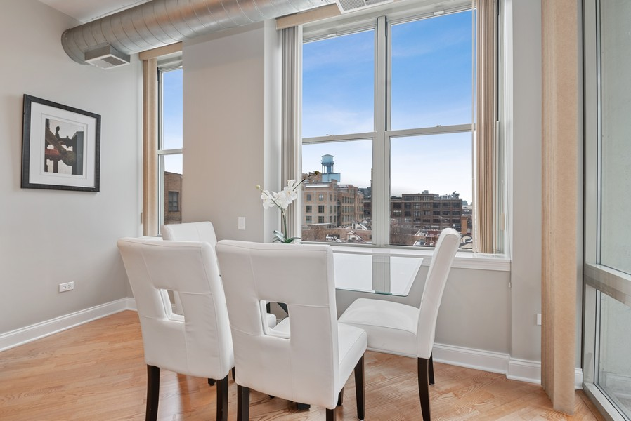 Real Estate Photography - 1001 W Madison St, Unit 611, Chicago, IL, 60607 - Dining Room