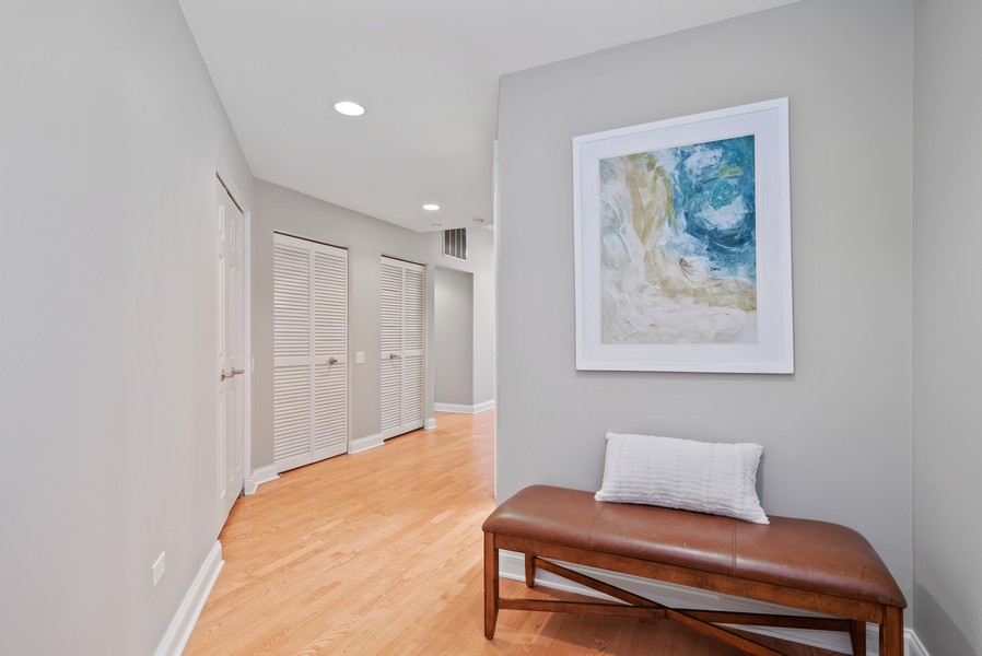 Real Estate Photography - 1001 W Madison St, Unit 611, Chicago, IL, 60607 - Foyer