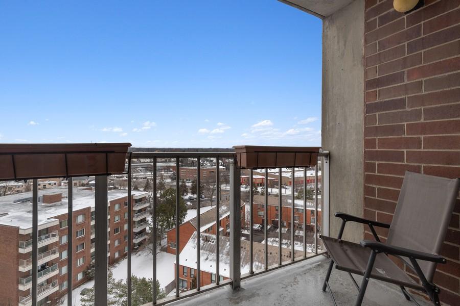 Real Estate Photography - 3925 Triumera Dr 12B, Glenview, IL, 60025 - Balcony