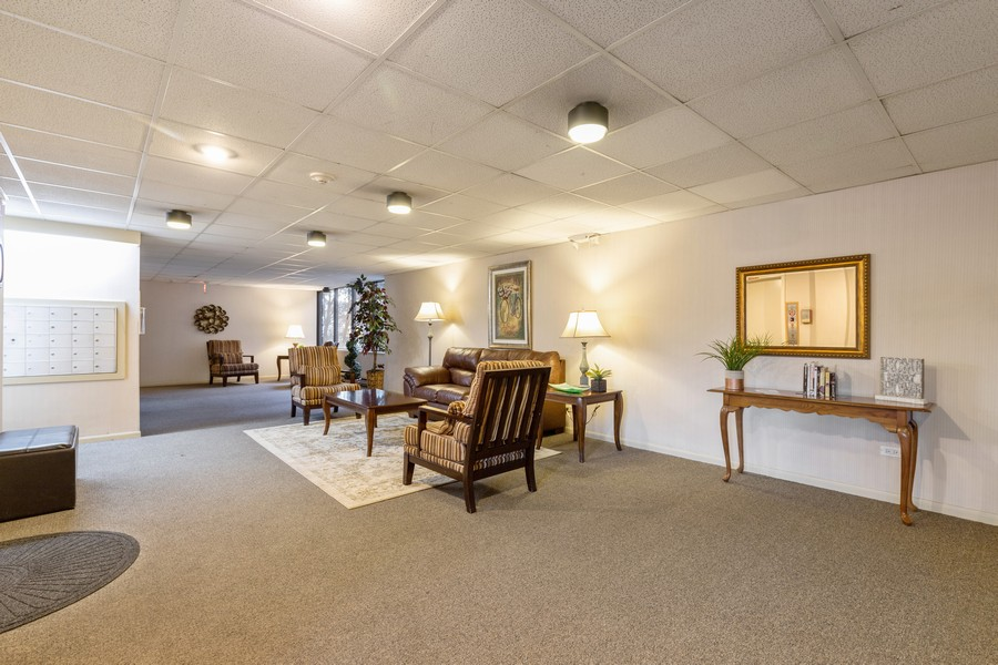Real Estate Photography - 920 Vose, Apt 608, Gurnee, IL, 60031 - Lobby