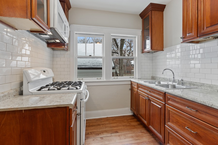 Real Estate Photography - 1124 Noyes St., Evanston, IL, 60201 -