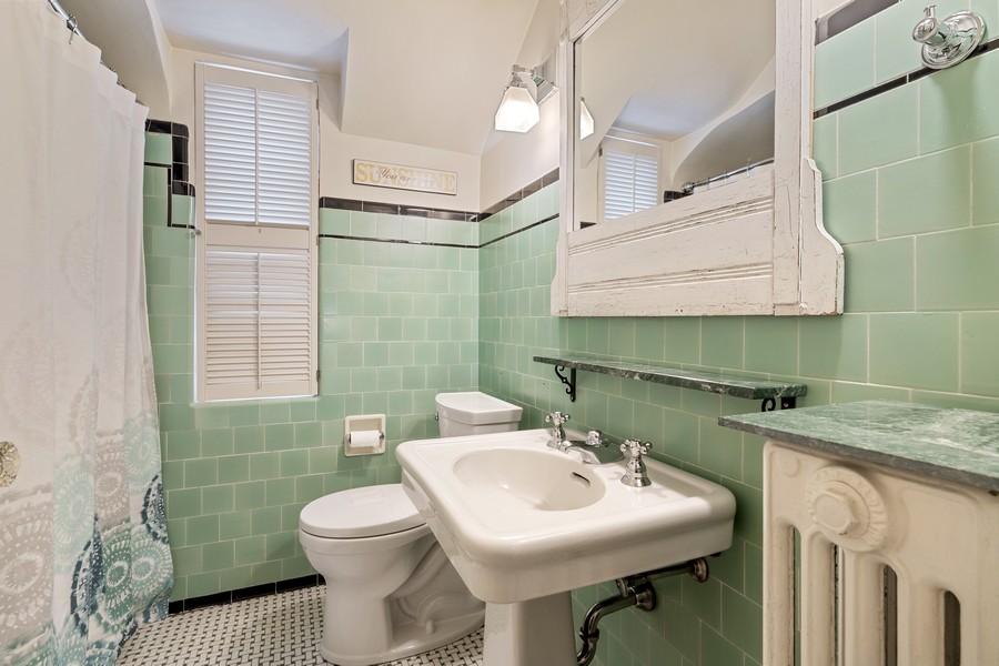 Real Estate Photography - 2501 Ridgeway Avenue, Evanston, IL, 60201 - Bathroom