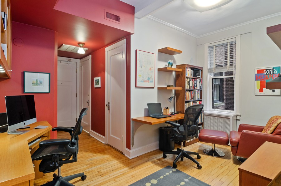 Real Estate Photography - 237 E Delaware Pl, Unit 7B, Chicago, IL, 60611 - Office