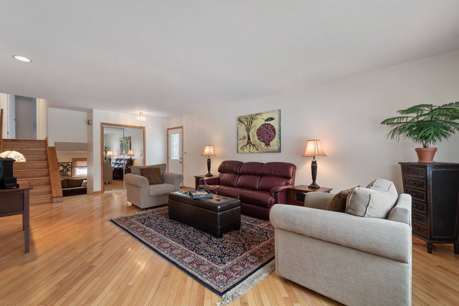 Real Estate Photography - 306 Alexis Ct, Glenview, IL, 60025 - Living Room