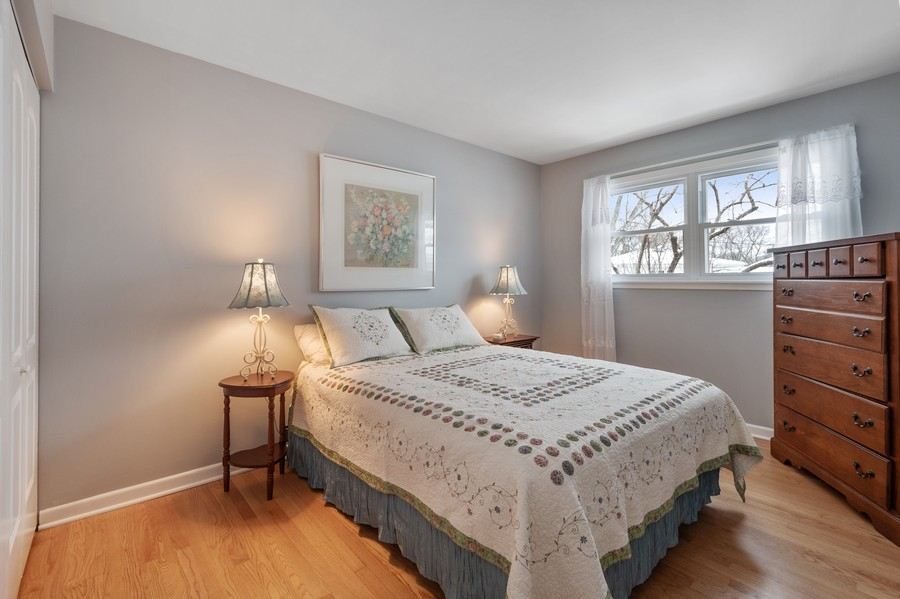 Real Estate Photography - 306 Alexis Ct, Glenview, IL, 60025 - 2nd Bedroom