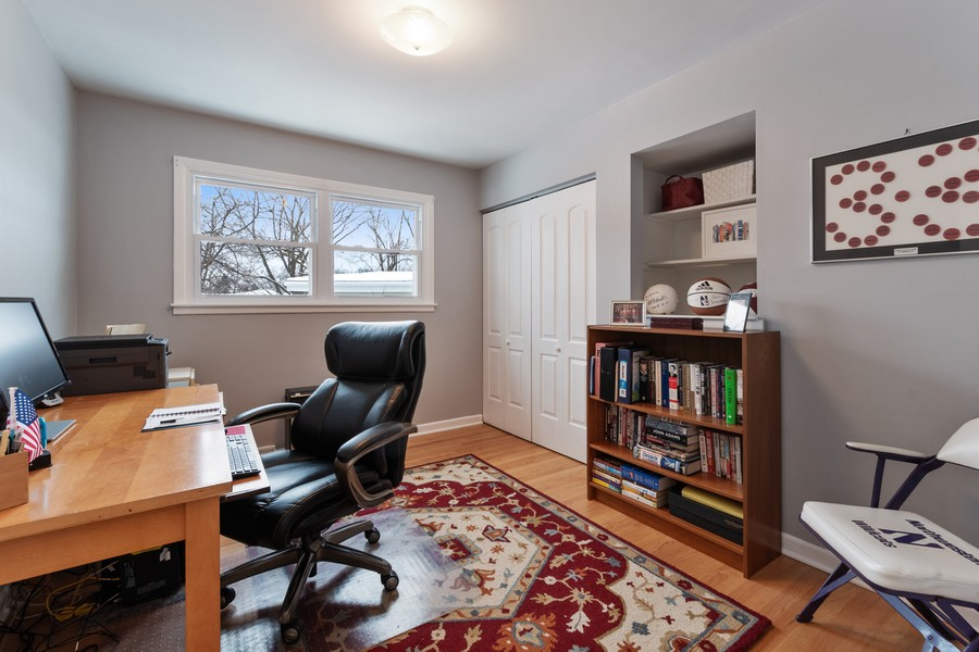 Real Estate Photography - 306 Alexis Ct, Glenview, IL, 60025 - 3rd Bedroom
