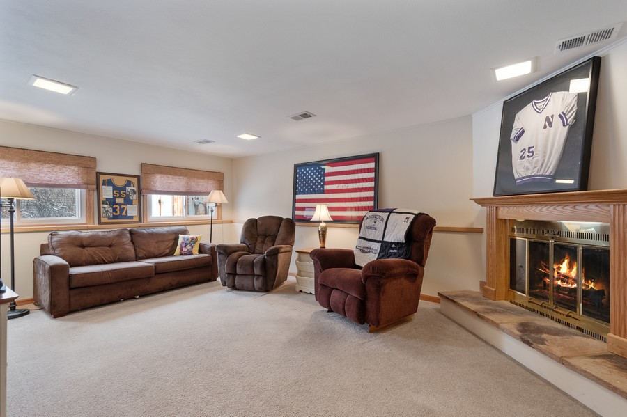 Real Estate Photography - 306 Alexis Ct, Glenview, IL, 60025 - Family Room