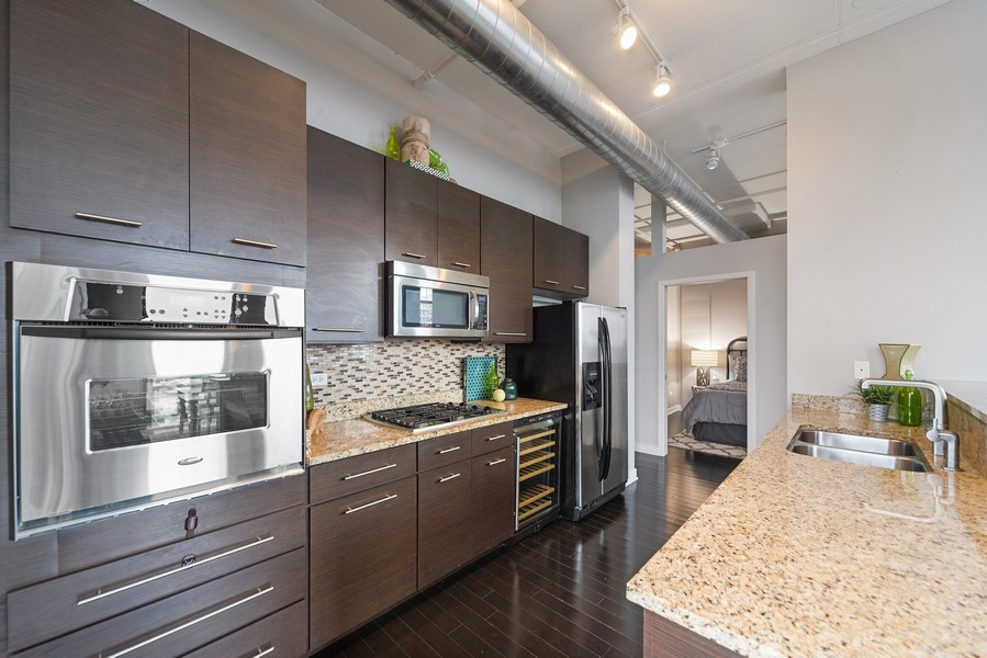 Real Estate Photography - 740 W. Fulton, #914, Chicago, IL, 60661 - Kitchen