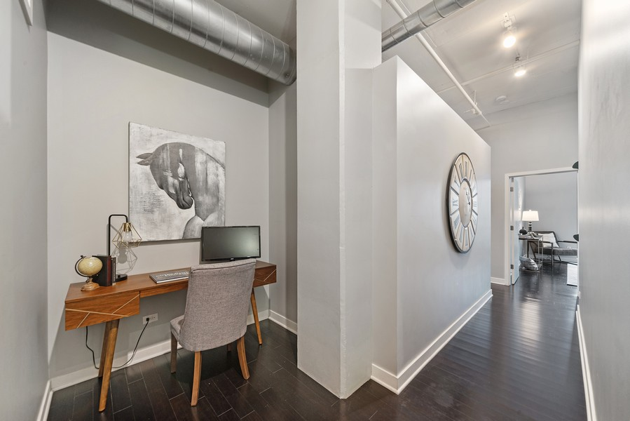 Real Estate Photography - 740 W. Fulton, #914, Chicago, IL, 60661 - Office Area