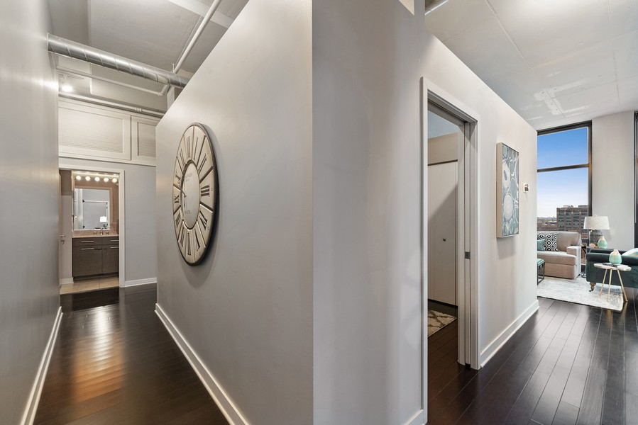 Real Estate Photography - 740 W. Fulton, #914, Chicago, IL, 60661 - Hallway