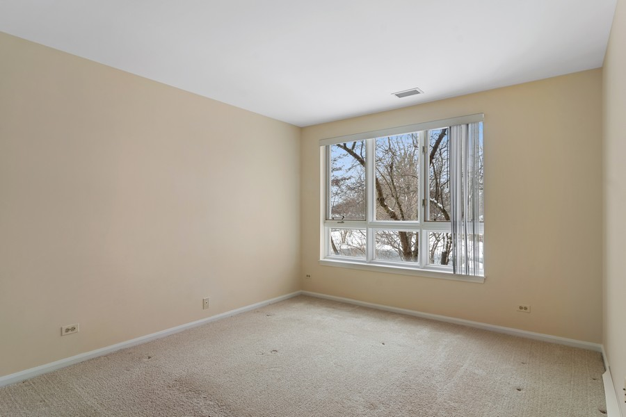 Real Estate Photography - 3100 Lexington Ln #110, GLENVIEW, IL, 60026 - Master Bedroom