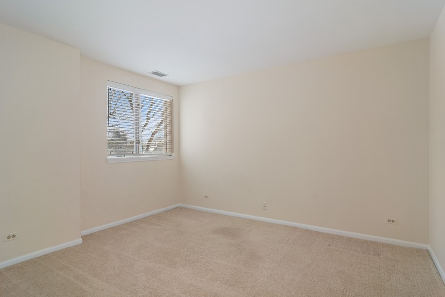 Real Estate Photography - 3100 Lexington Ln #110, GLENVIEW, IL, 60026 - 2nd Bedroom