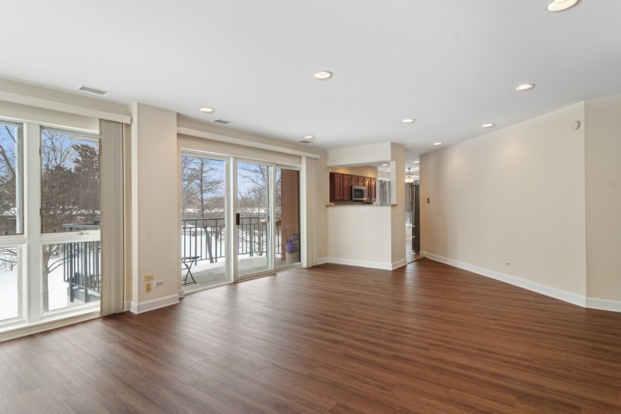 Real Estate Photography - 3100 Lexington Ln #110, GLENVIEW, IL, 60026 - Great Room
