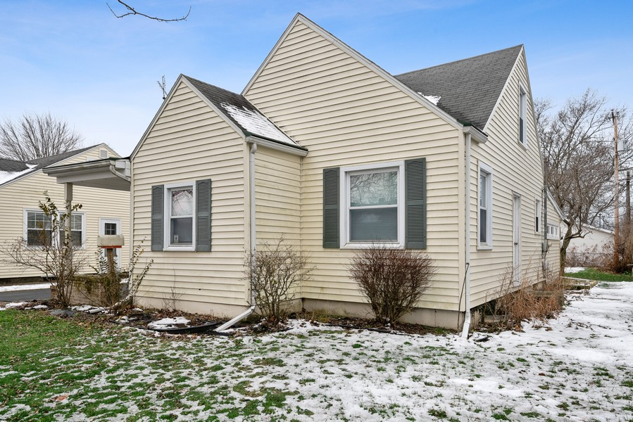 Real Estate Photography - 2612 Willa Drive, St. Joseph, MI, 49085 - Front View