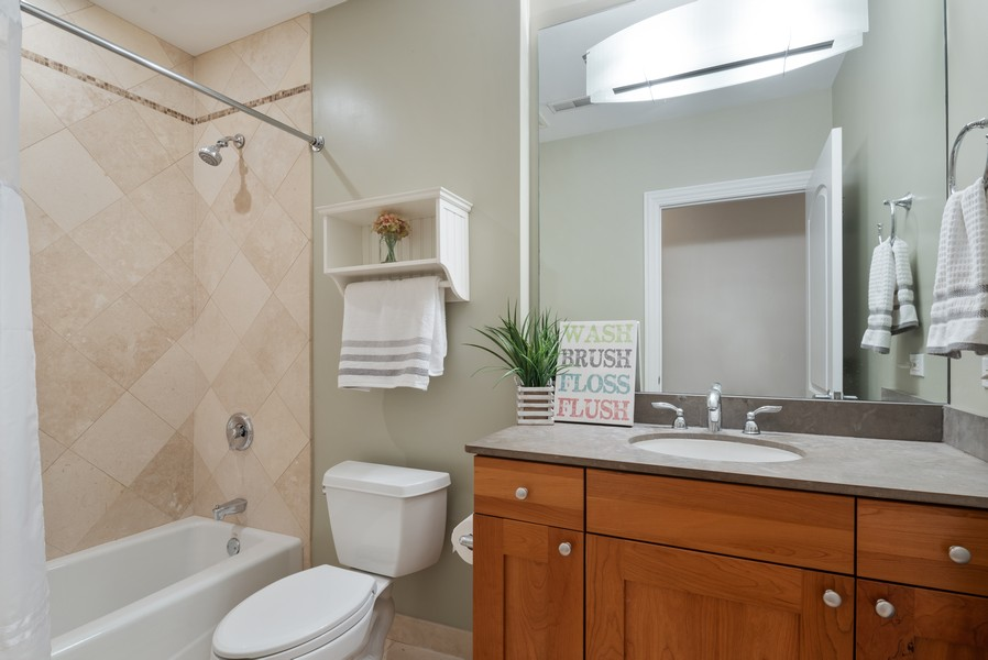 Real Estate Photography - 1520 N. Sedgwick #2A, Chicago, IL, 60610 - 2nd Bathroom